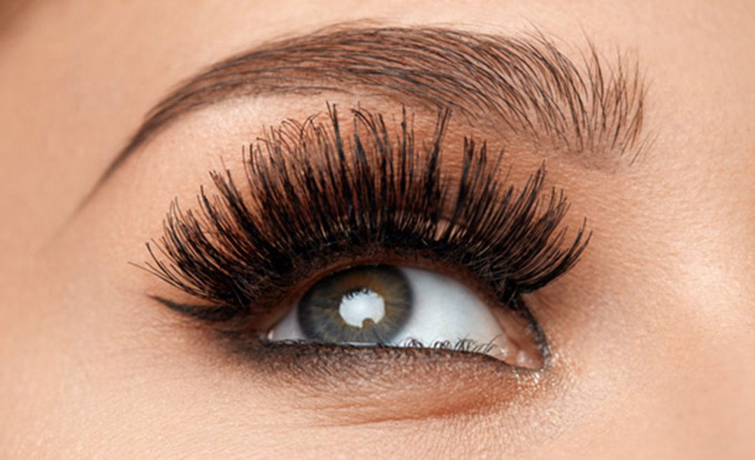 4 Makeup Tips for HEALTHY, Luscious Eyelashes